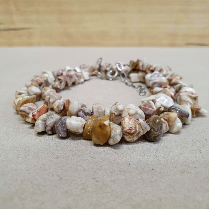 Achát krajka sekaný náhrdelník
